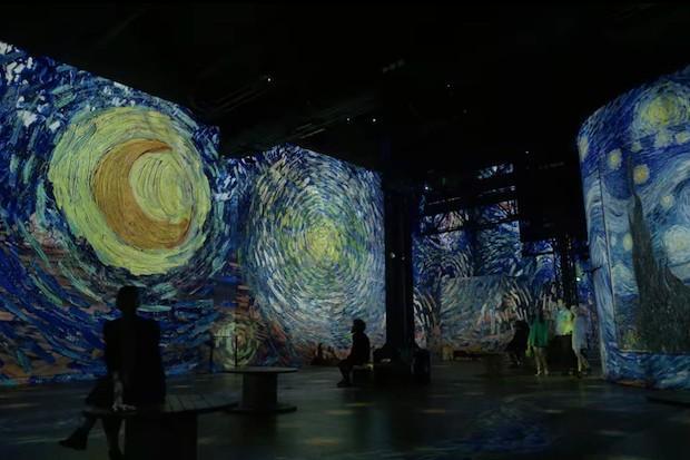 Exposição de Van Gogh no Atelier des Lumières