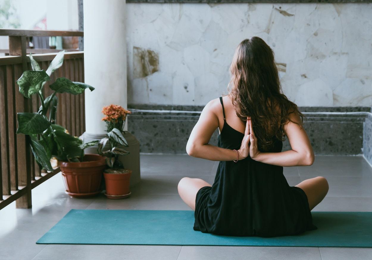 5_dicas_para_autoestima_yoga