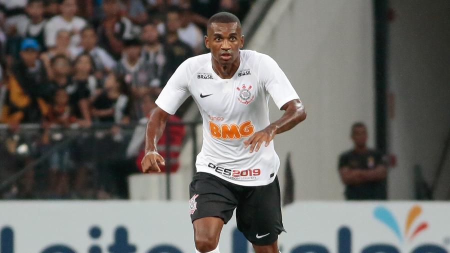 Corinthians solicitou retorno de Marllon, após lesão de Avelar