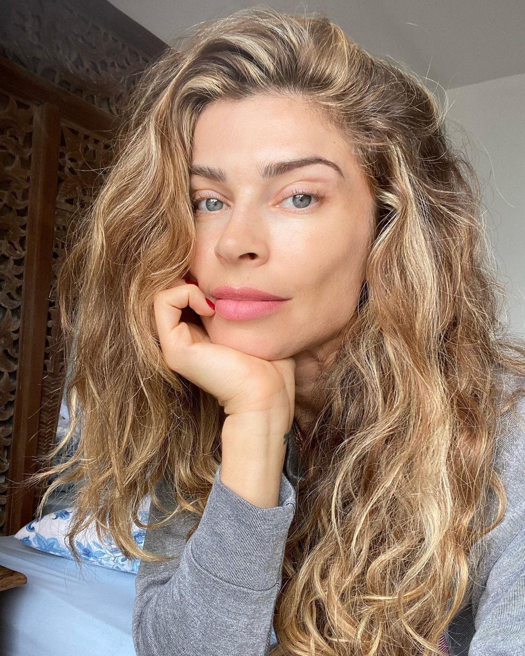 Imagem mostra rosto e cabelos da Grazi Massafera