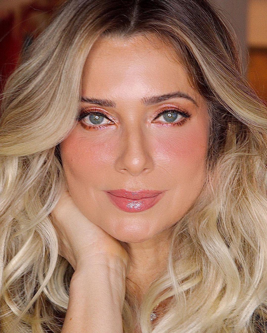 Imagem mostra rosto da atriz Letícia Spiller