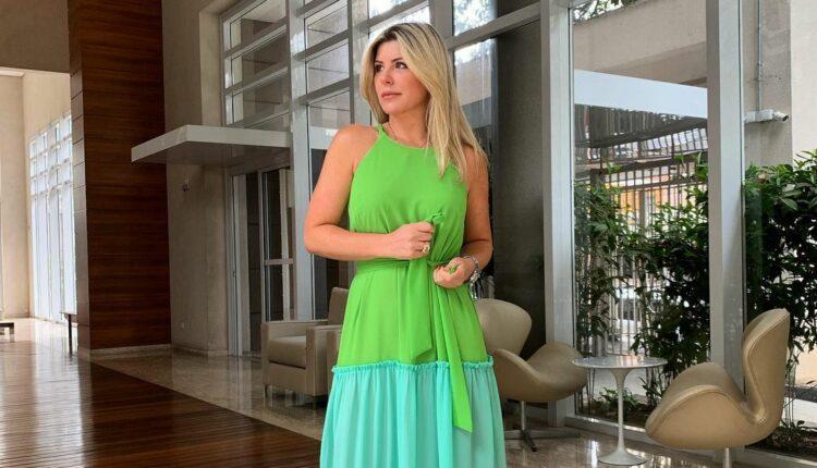 Imagem mostra Íris Stefanelli com vestido em três tons de verde