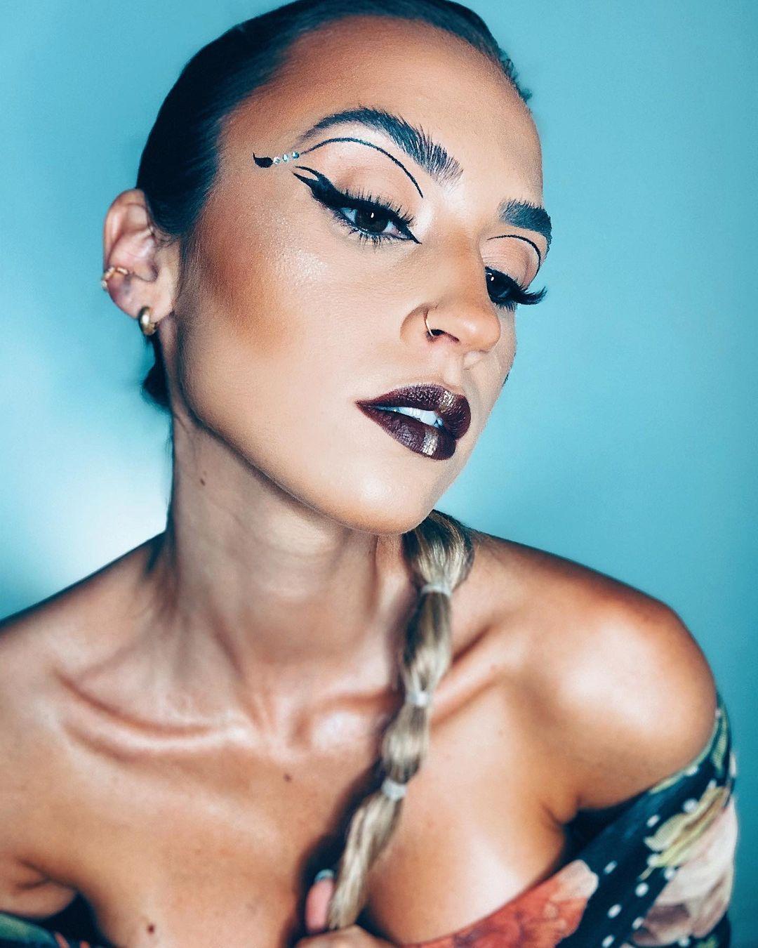 Imagem mostra maquiagem de Lara Werneck