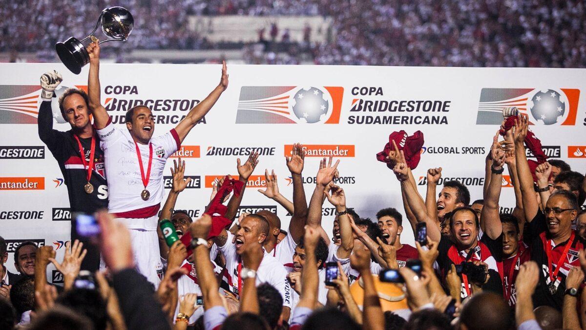 Embora o jogo não tenha terminado, São Paulo ficou com Sul-Americana de 2012