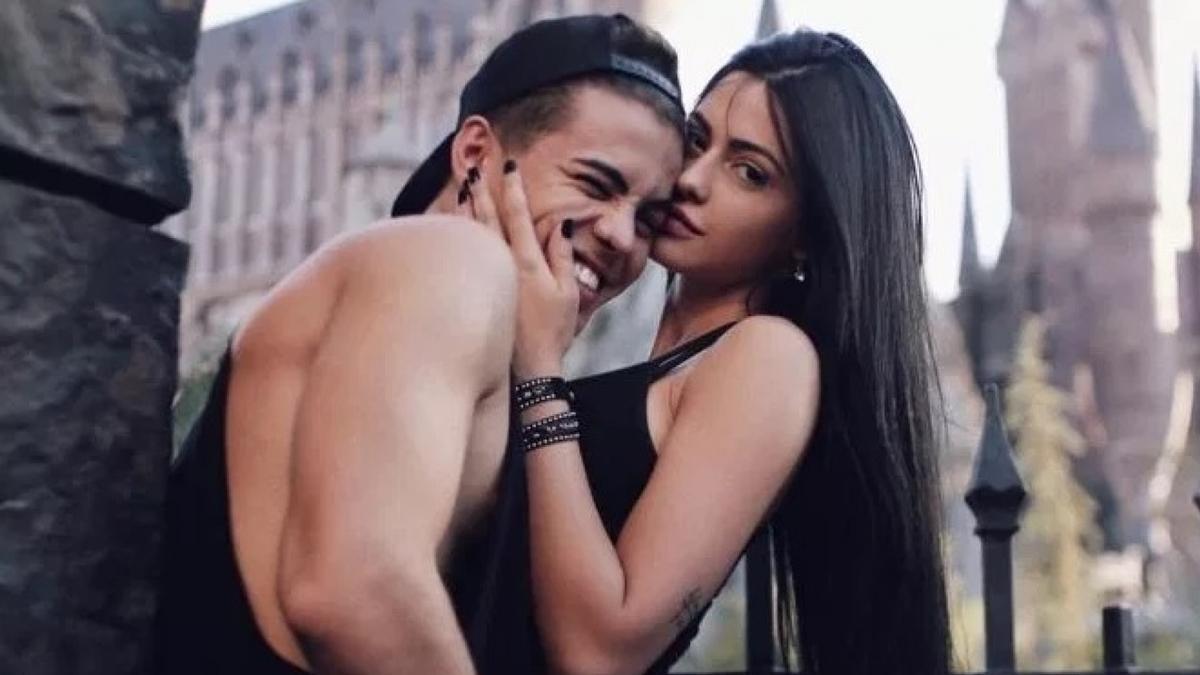Na foto o cantor Biel e aex-esposa Duda Castro