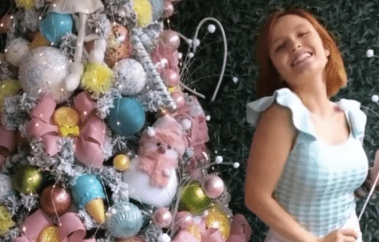 Imagem mostra árvore de Natal da Larissa Manoela