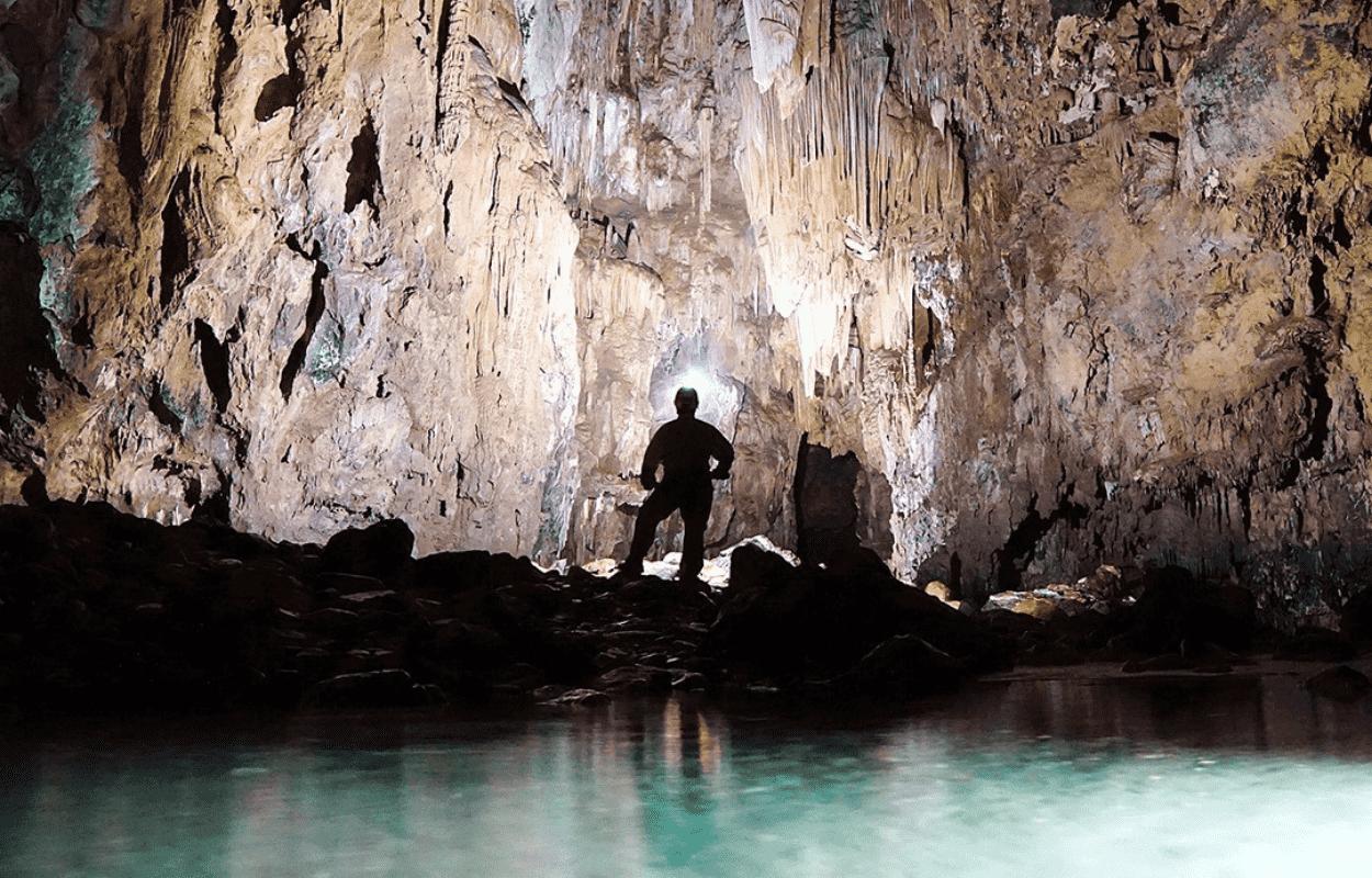 Imagem mostra roteiro da Caverna do Diabo, em São Paulo