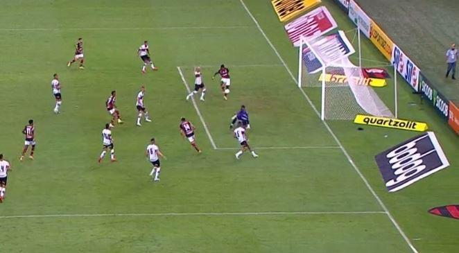 Gol perdido por Lincoln no duelo entre Flamengo e Atlético GO