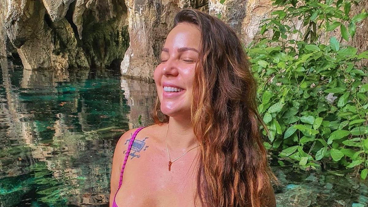 A imagem mostra a ex-BBB Maria Claudia