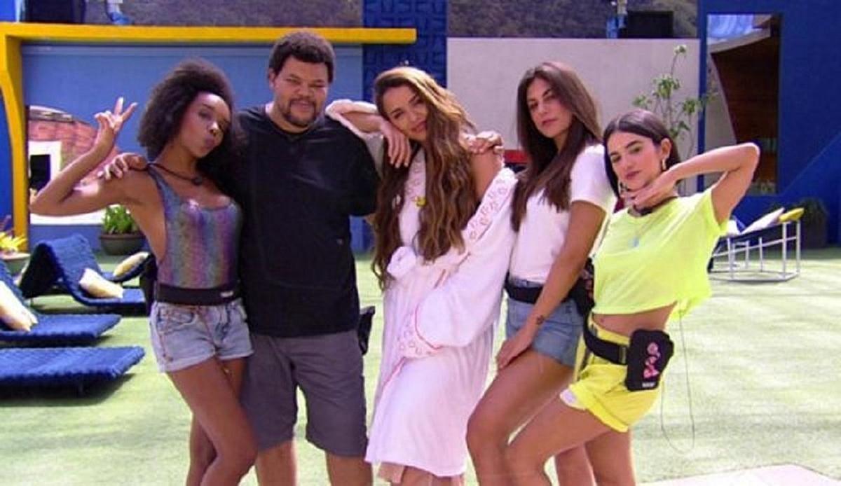 Na imagem os ex-BBBs da edição 2020 Thelma Assis, Babu Santana, Rafa Kalimann, Mari Gonzalez e Manu Gavassi para o BBB 21