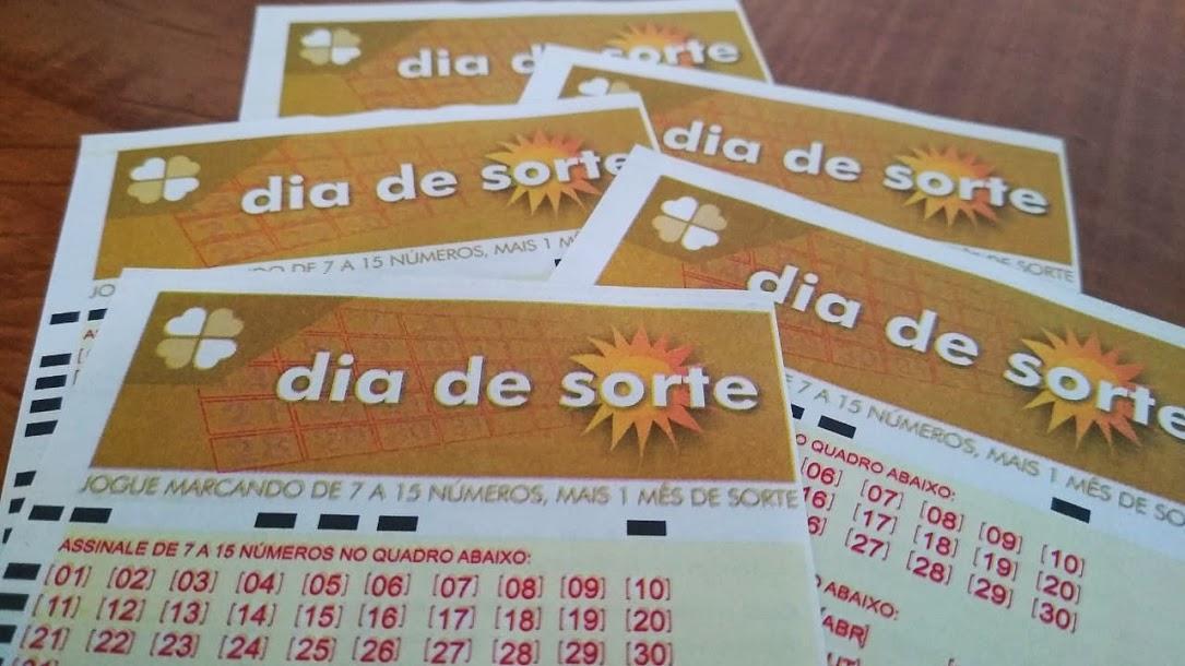 resultado do dia de sorte 394 A imagem mostra diversos volantes do Dia de Sorte
