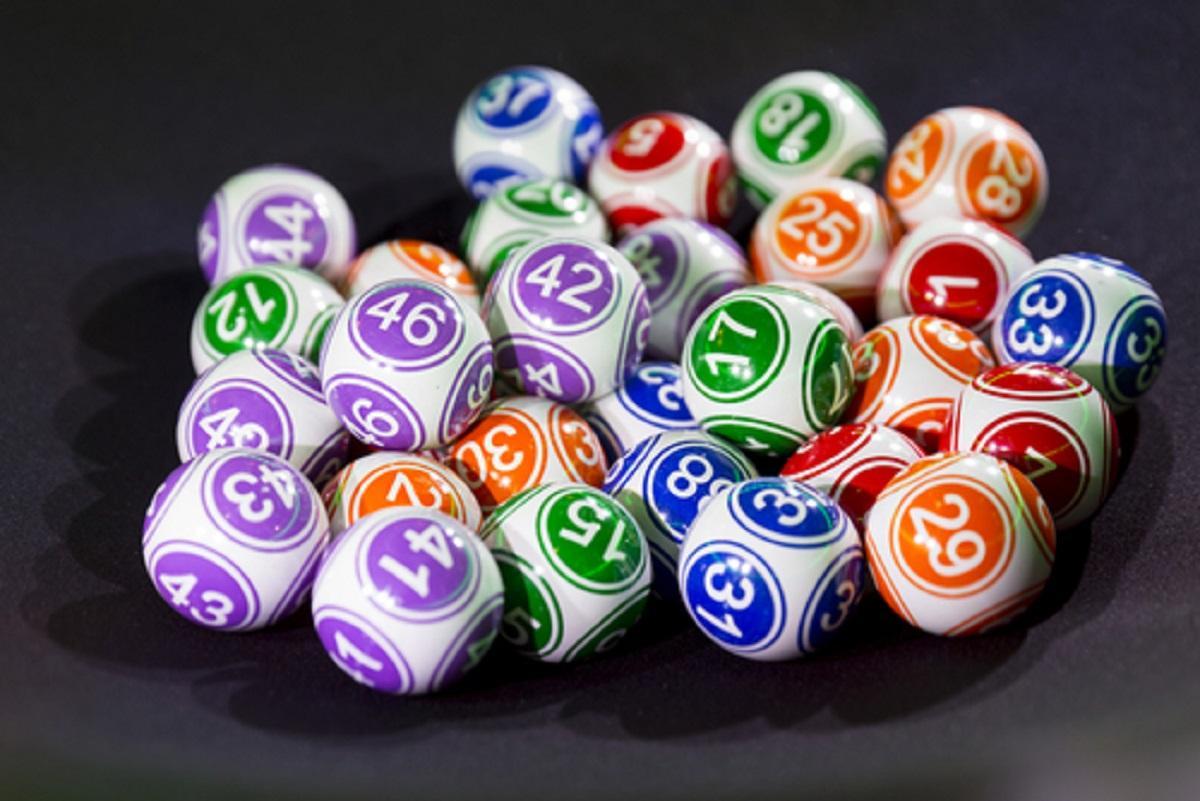 Super Sete 17 - a imagem mostra diversas bolas de loterias
