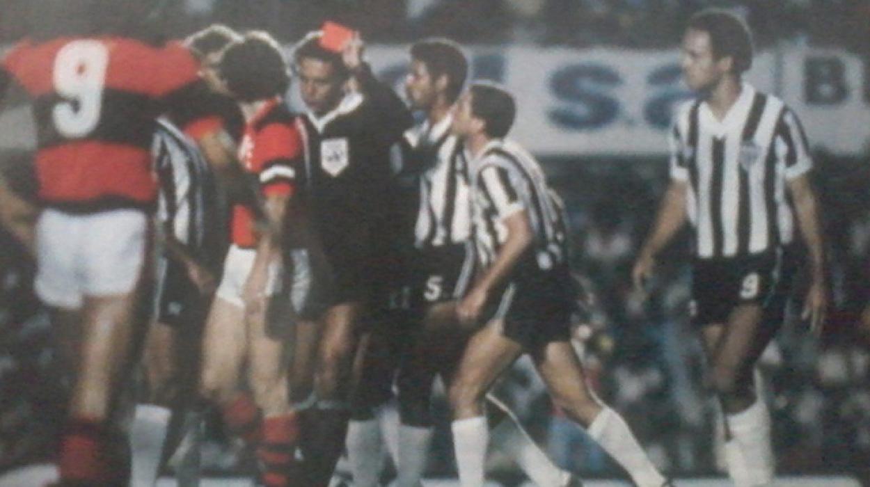 Wright expulsa atleticanos na Libertadores de 1981