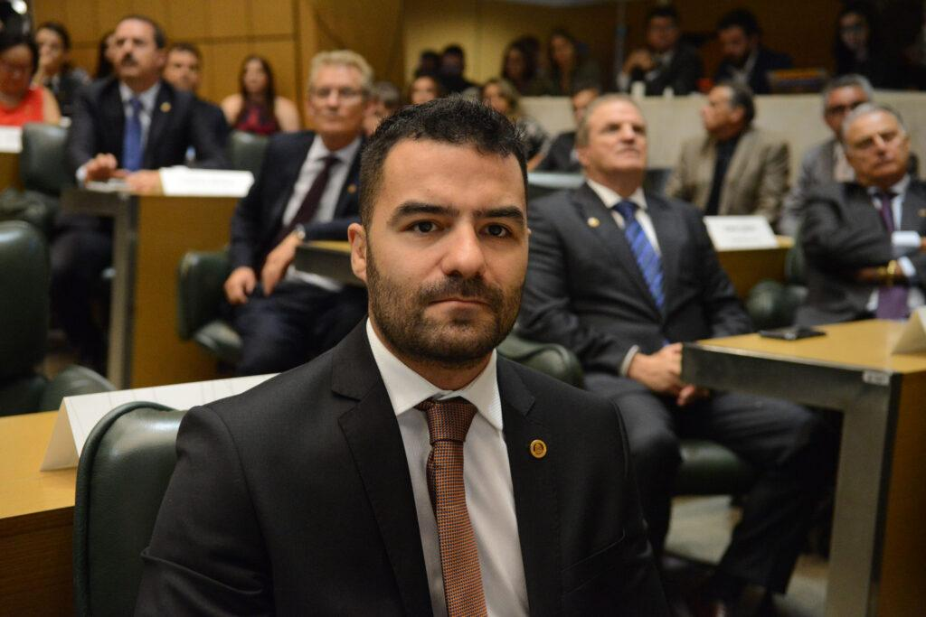 Imagem mostra Arthur do Val nas eleições 2020