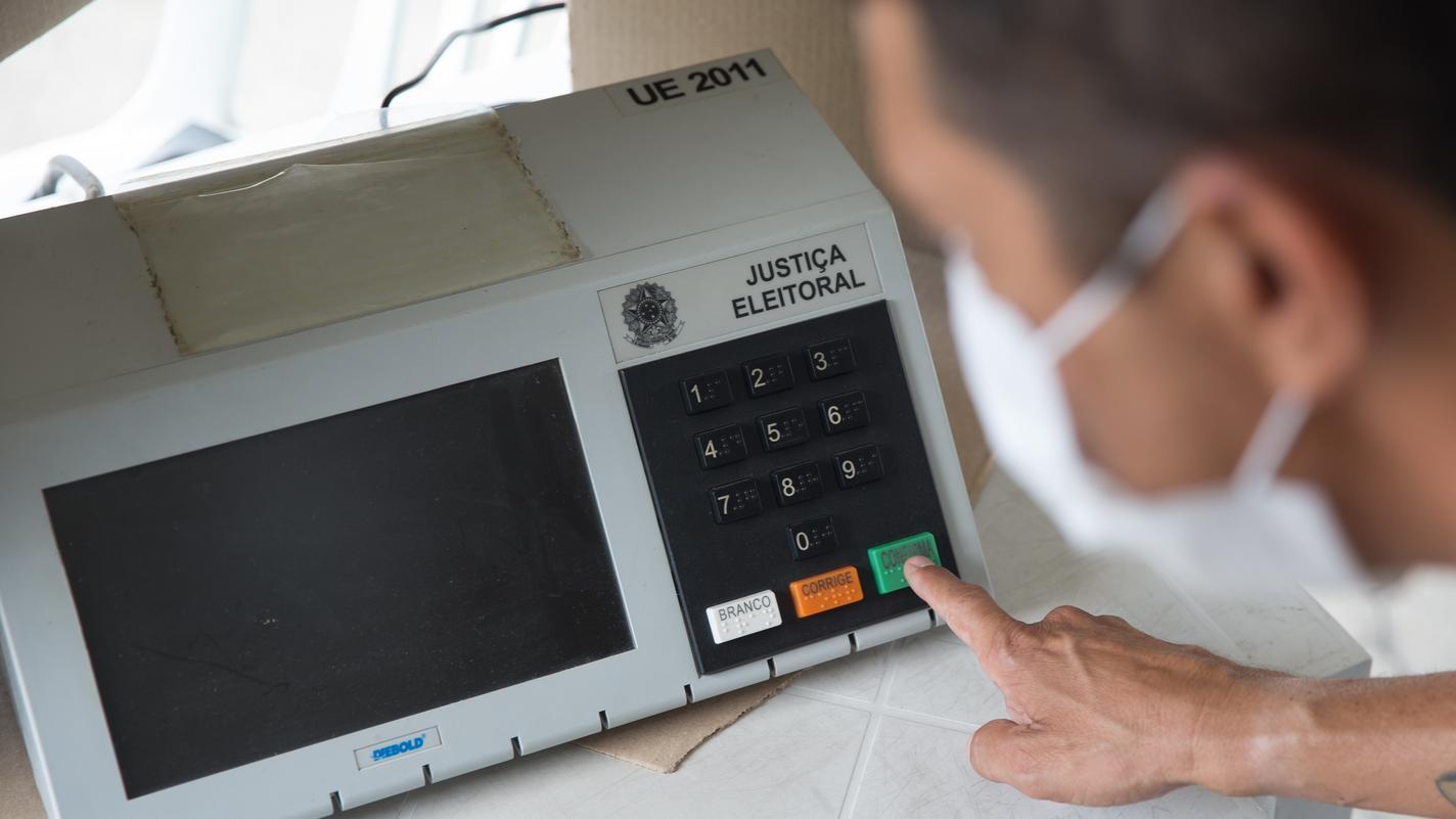 eleições 2020 1700 urnas trocadas