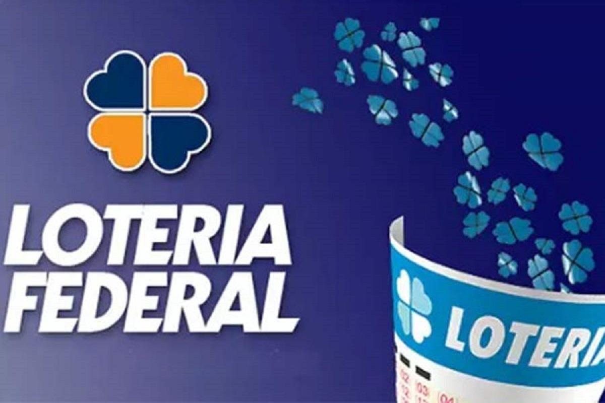 Loteria Federal 5515 - A imagem mostra um trevo de quatro folhas azul e laranja com o escrito Federal embaixo e ao um volantes azul escrito loteria