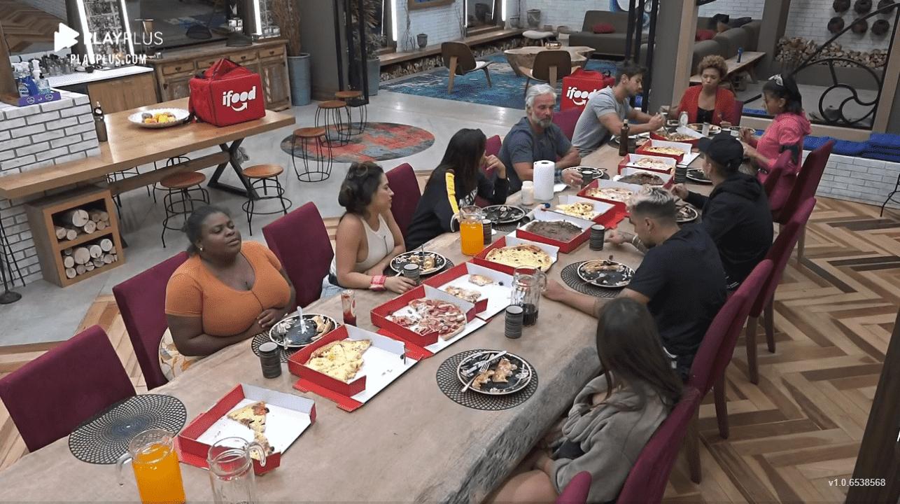 Peões em noite de pizza Peões em noite de pizza em A Fazenda 2020 em A Fazenda 2020
