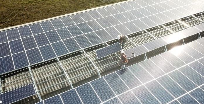 Importação de painéis solares