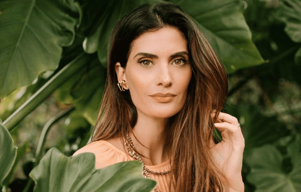 Imagem mostra rosto e cabelos castanhos da Isabella Fiorentino