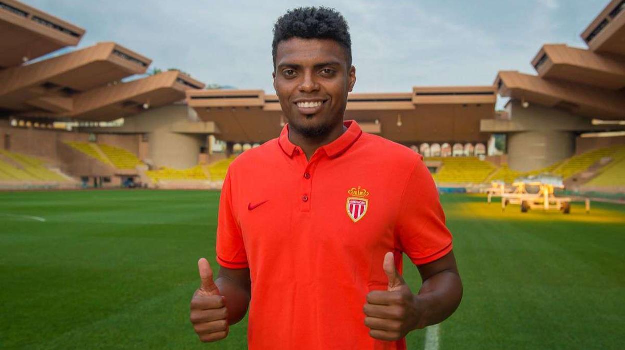 Jemerson, reforço do Corinthians, quando foi apresentado no Monaco