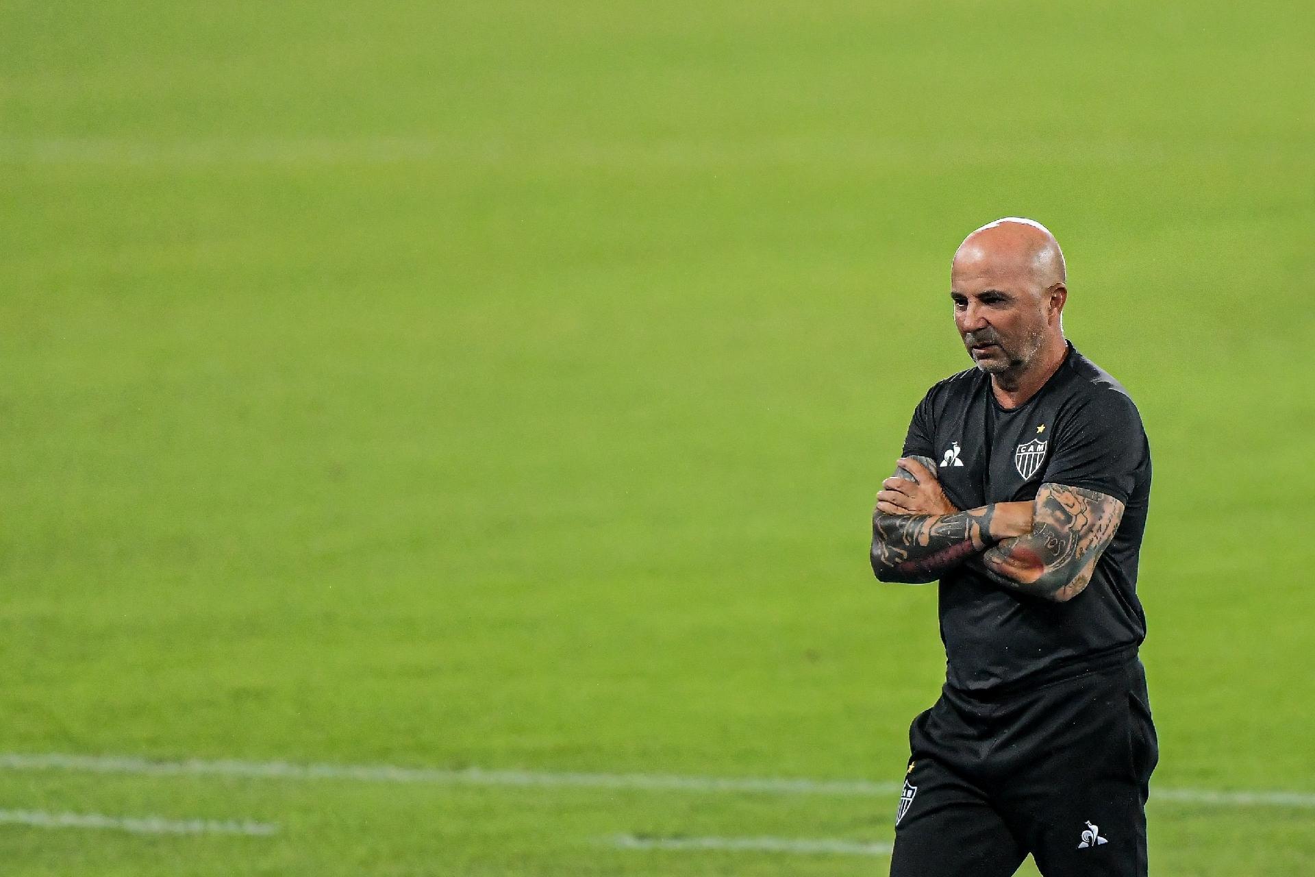 Sampaoli é mais um técnico no futebol brasileiro a contrair a Covid-19