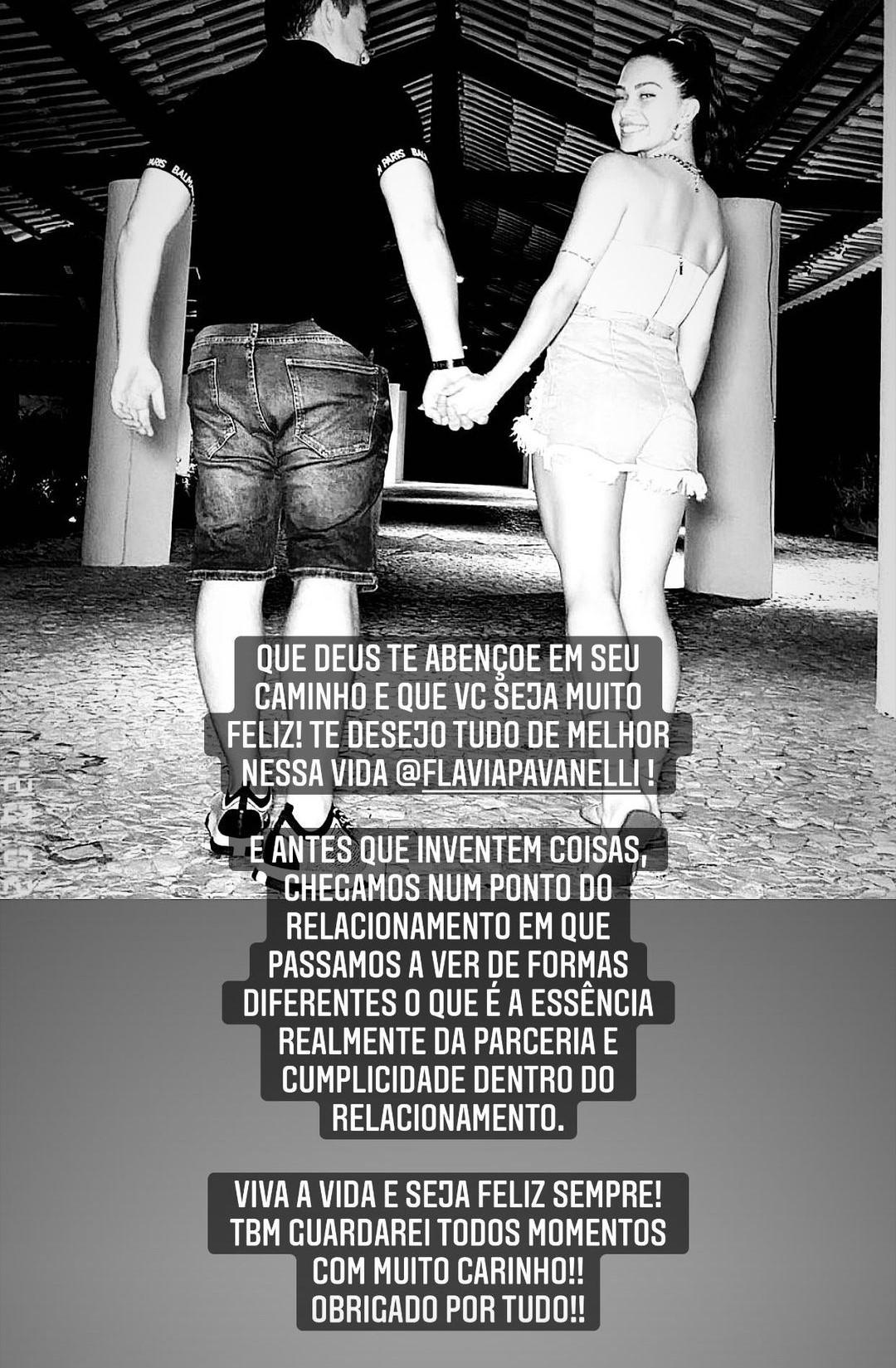 Imagem mostra anúncio do fim de noivado de Flavia Pavanelli e Junior