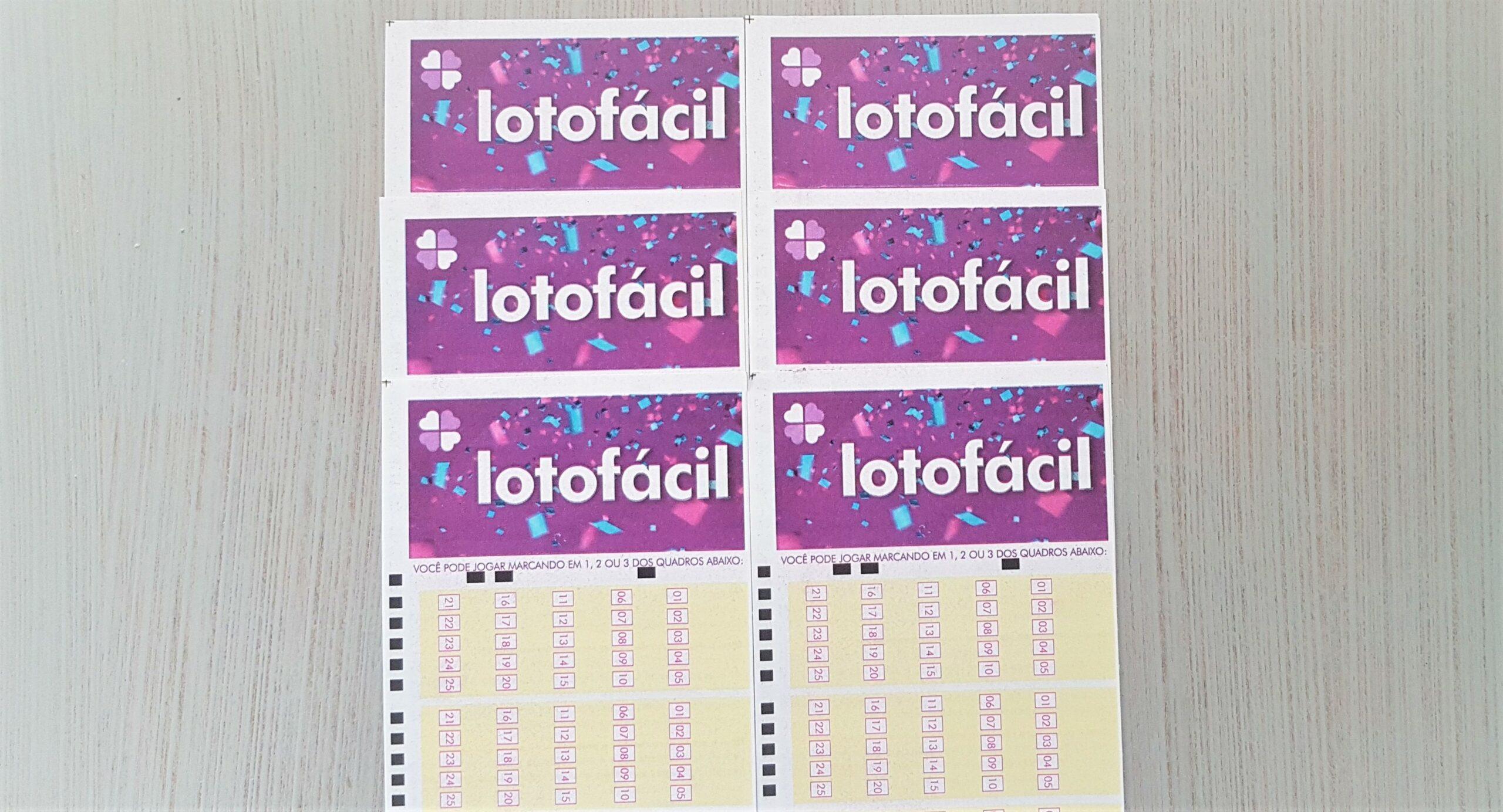lotofácil 2104 A imagem mostra seis volantes da Lotofácil