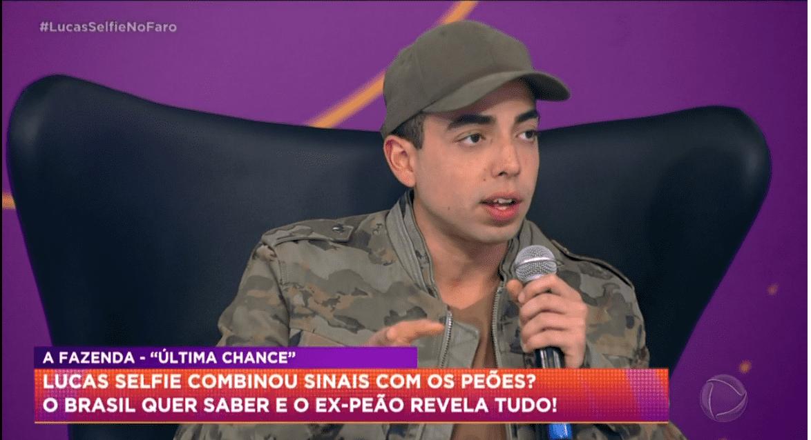Lucas, nono eliminado de A Fazenda 12, no programa Hora do Faro