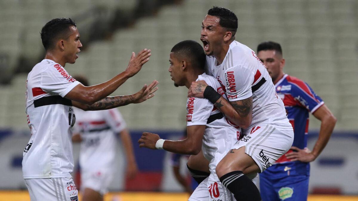 Logo depois de eliminar o Flamengo, São Paulo decide contra o Grêmio na semifinal
