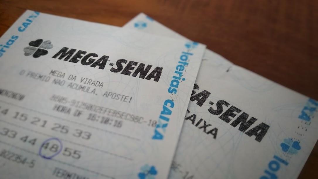 resultado da mega-sena 2325 - A imagem mostra duas apostas da Mega Sena