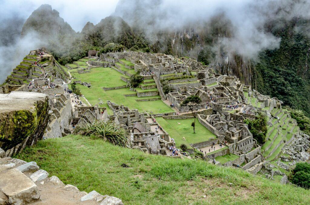 Imagem aérea de Macchu Picchu, no Peru