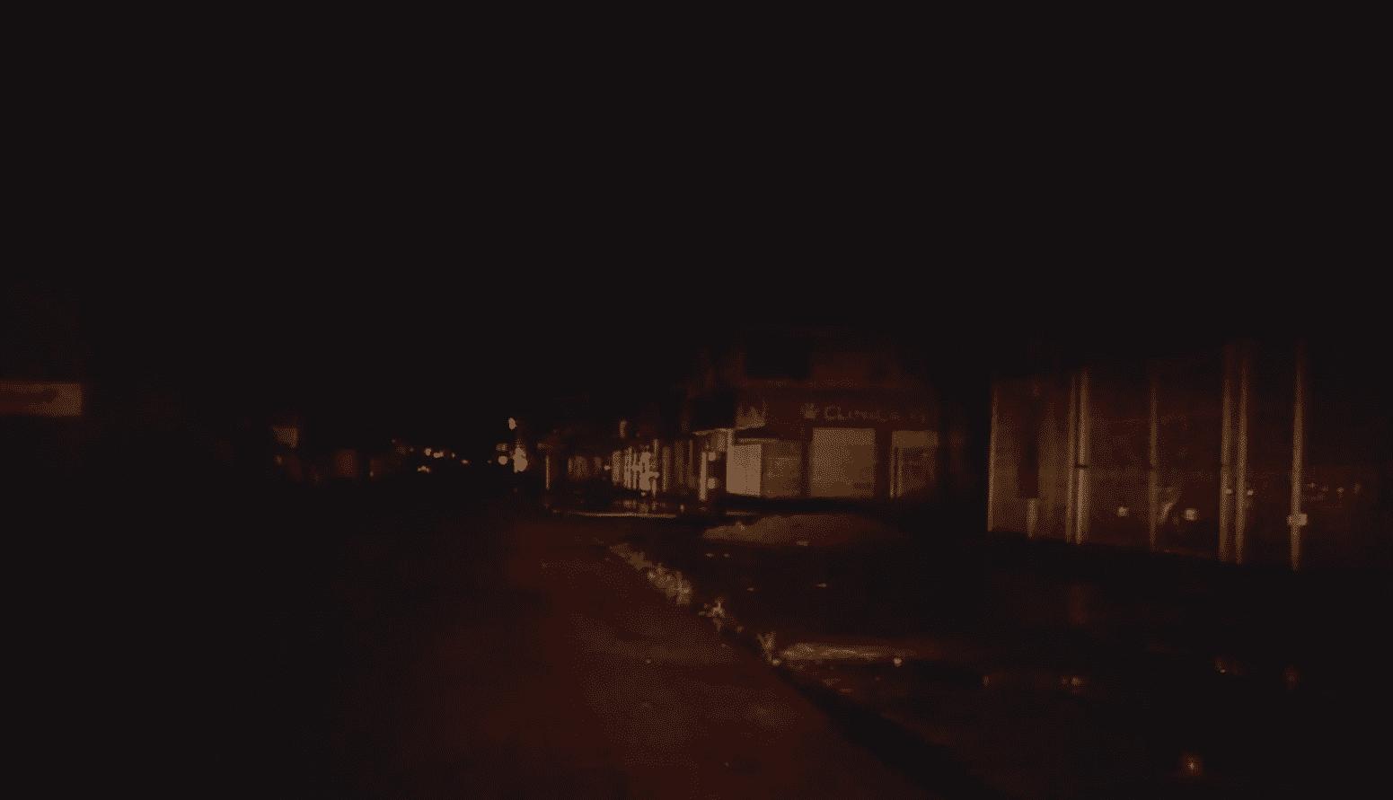 Rua apagada após apagão no Amapá
