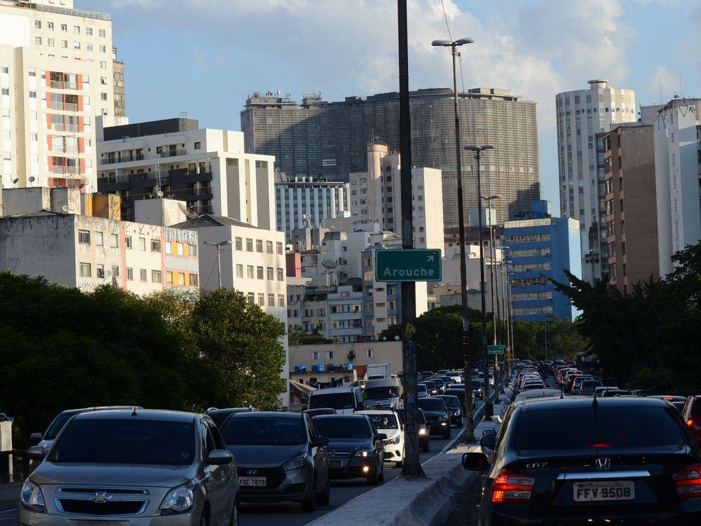 Trânsito em SP é um dos desafios ao vencedor das eleições 2020. Foto: Rovena Rosa/Agência Brasil