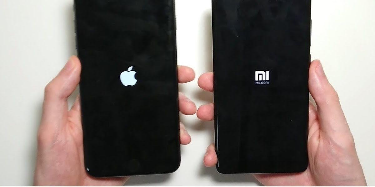 Celular Xiaomi ao lado do Iphone