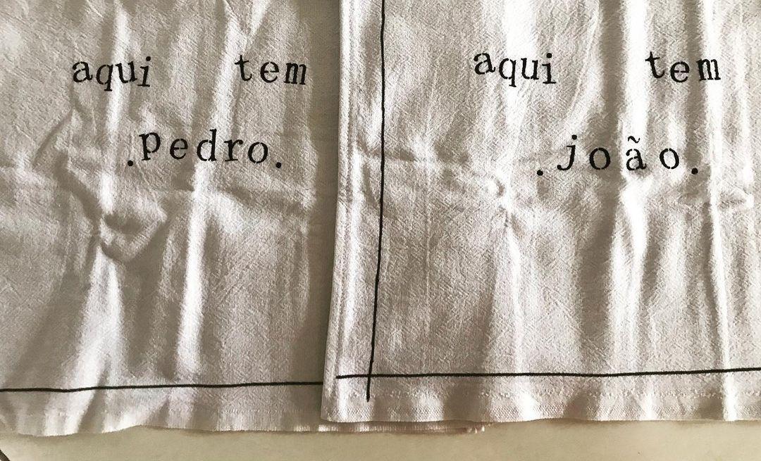 Imagem mostra presente com os nomes dos filhos de Andréia Sadi