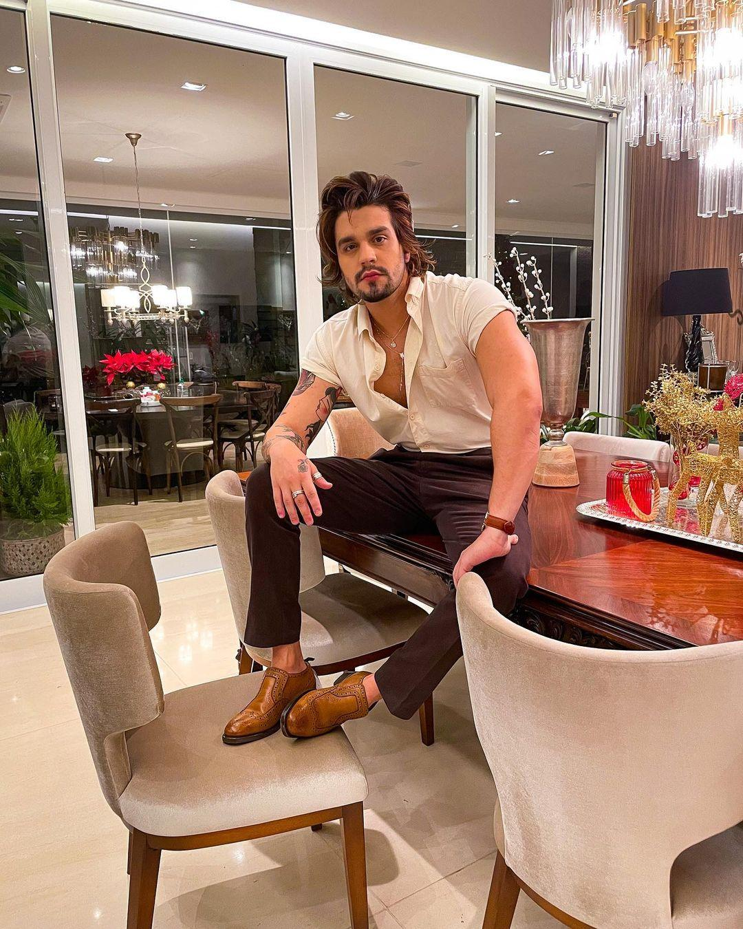 Imagem mostra o cantor Luan Santana, que gostaria de integrar o elenco de Pantanal