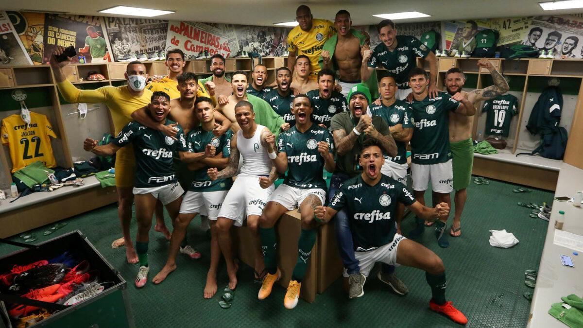 Após avançar na Libertadores, elenco do Palmeiras comemora classificação no vestiário