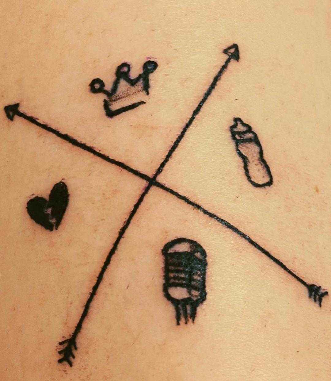 Imagem mostra tatuagem