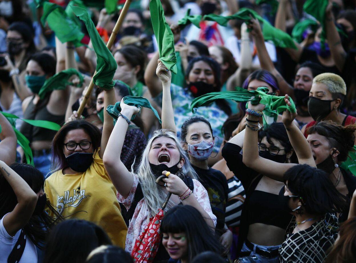 Argentina legaliza aborto