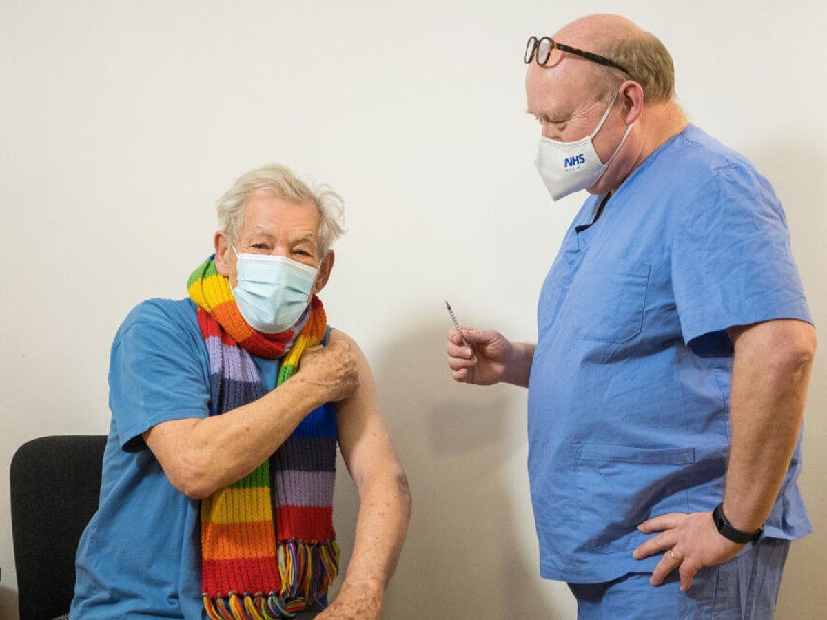 Ator de Gandalf é vacinado
