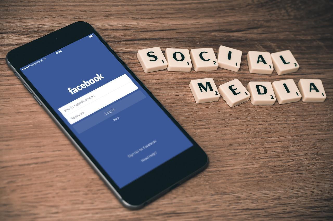 Confira três maneiras para baixar vídeos do Facebook em seus celulares ou computador