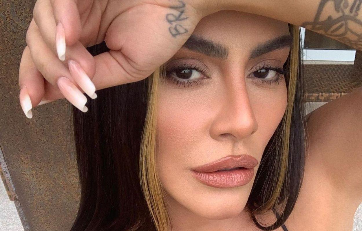 Imagem mostra rosto de Cleo, que falou sobre sexo a três