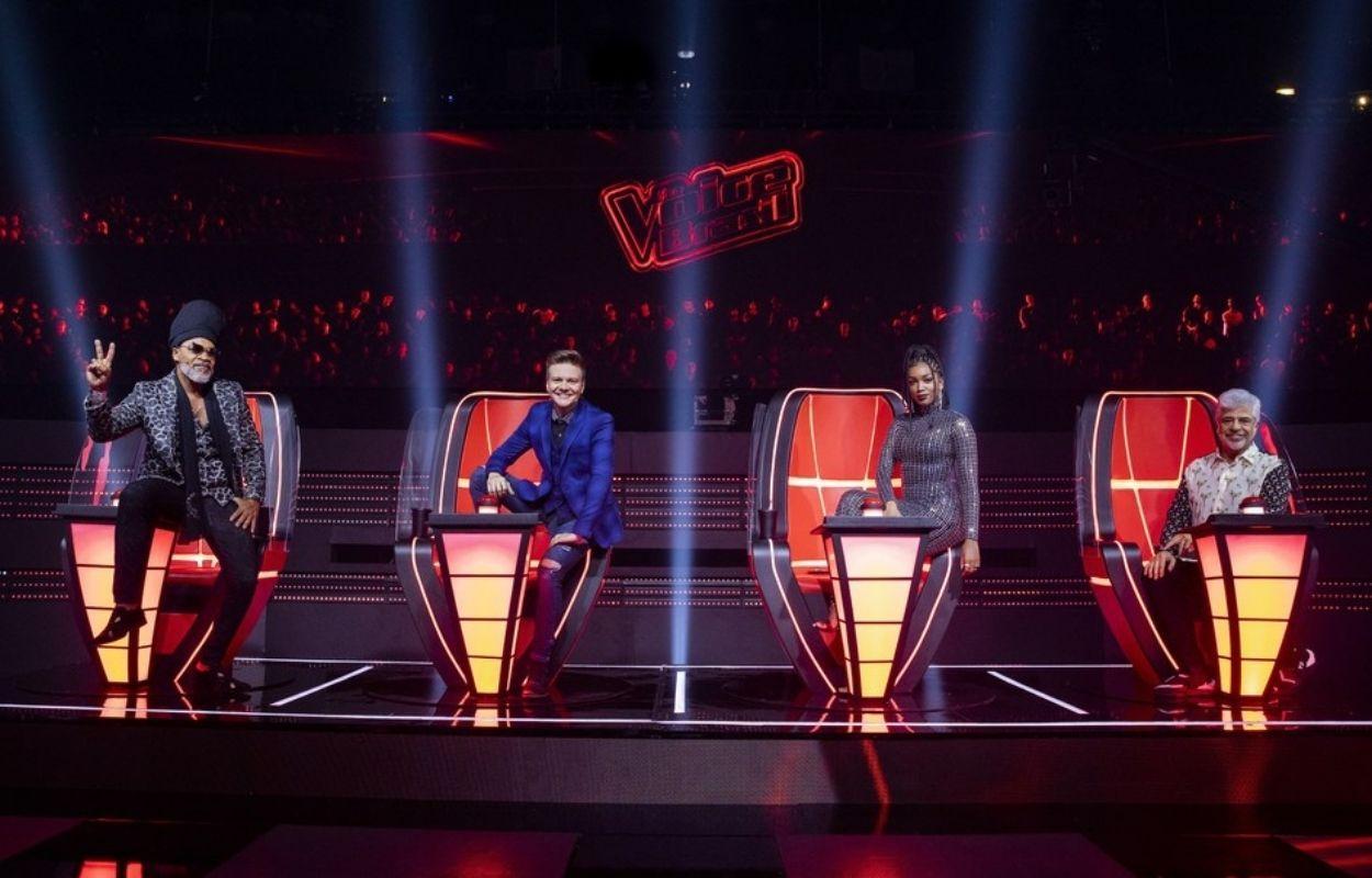 Imagem mostra técnicos do The Voice Brasil