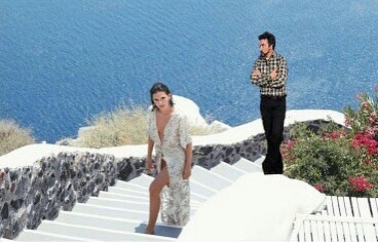 Imagem mostra montagem de Bruna Marquezine e Padre Fábio de Melo na Grécia