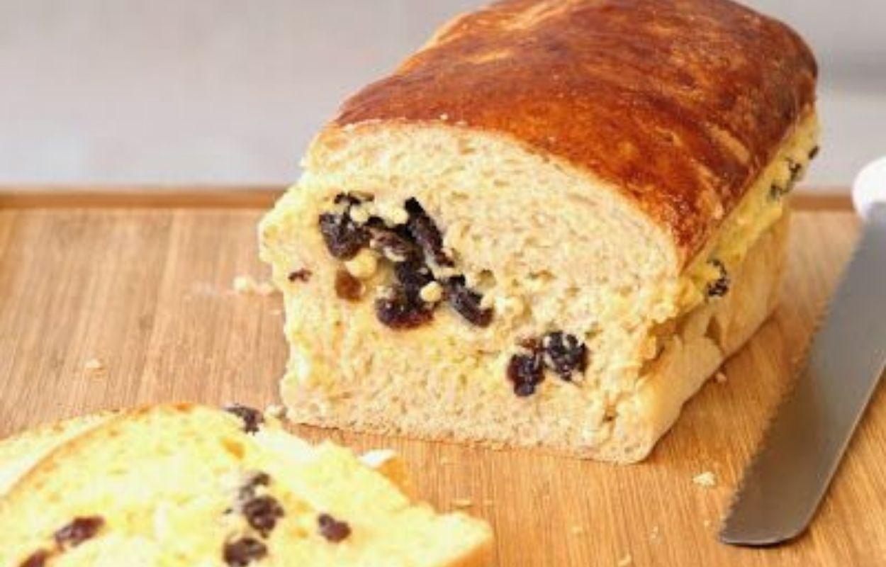 Imagem mostra receita de pão doce com passas
