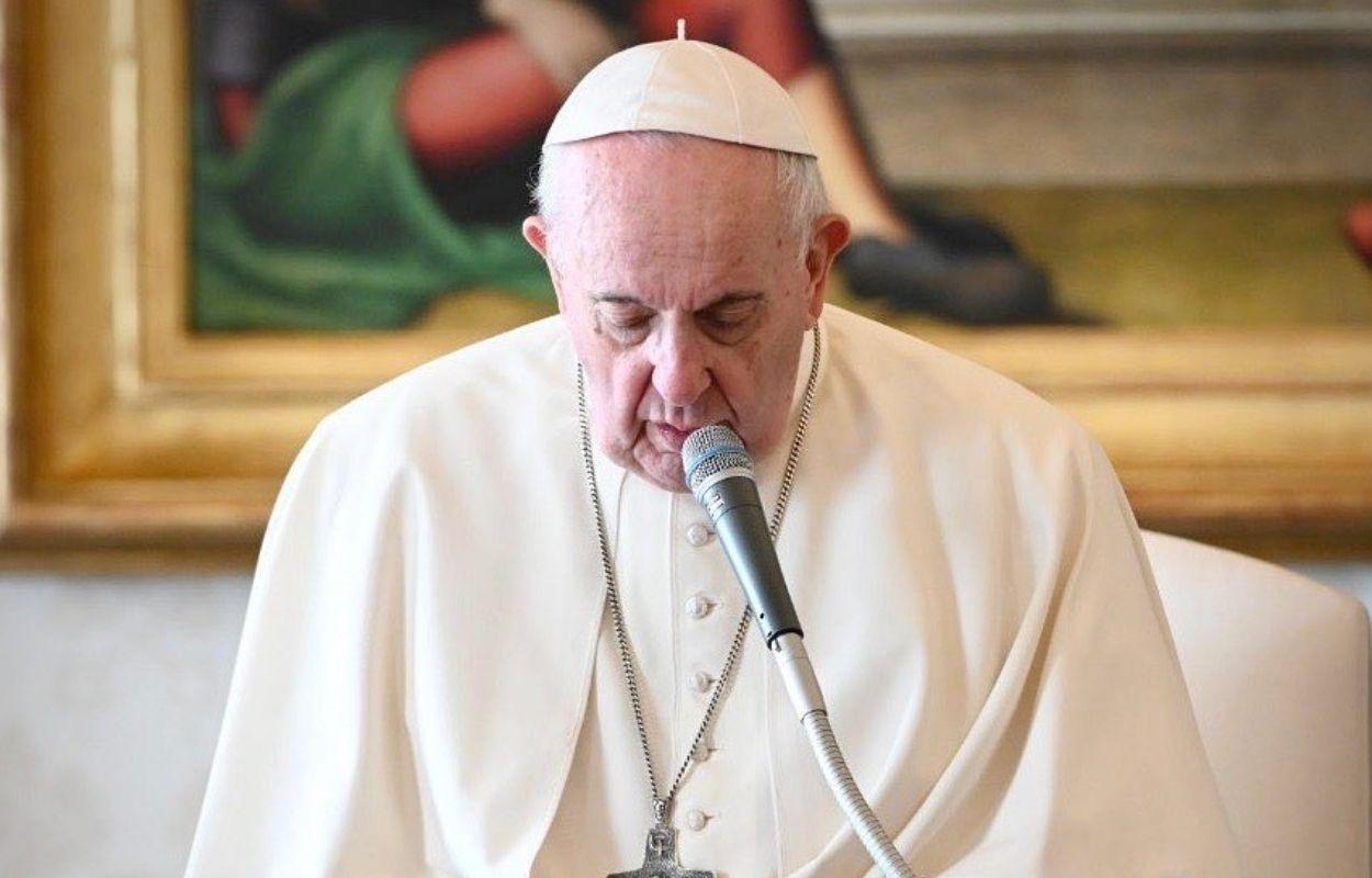 Imagem mostra rosto do Papa Francisco