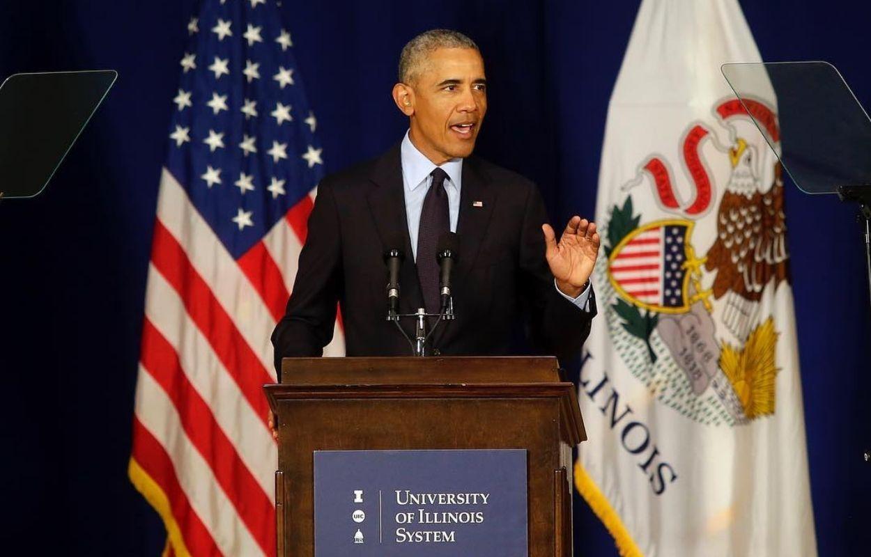 Imagem mostra Barack Obama, que indicou o filme brasileiro Bacurau