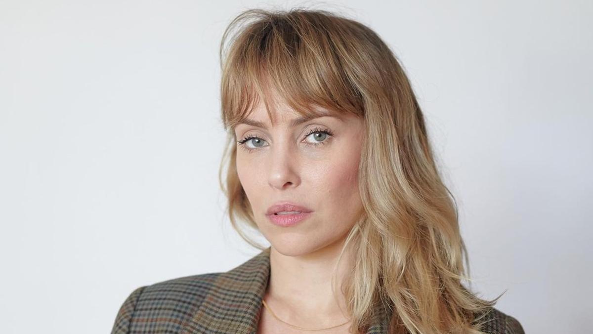 Na imagem a atriz Fernanda Nobre