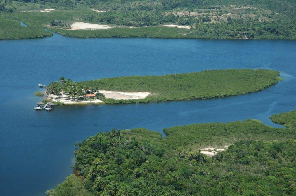 Veja as 11 ilhas paradisíacas que estão à venda no Brasil