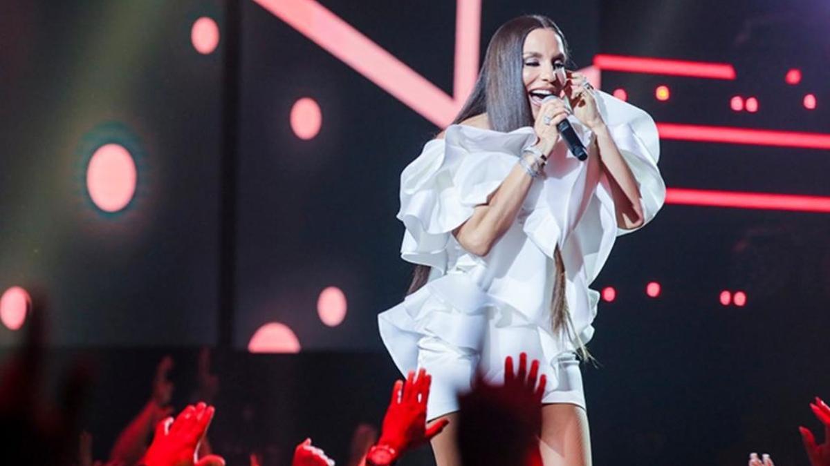Na imagem a cantora Ivete Sangalo no Show da Virada em 2019